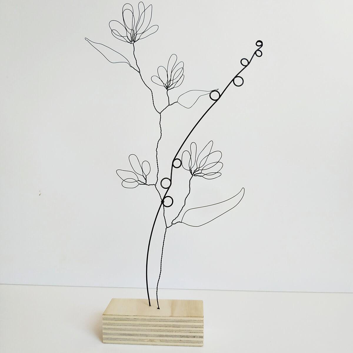 Grande tige à fleurs avec pétales